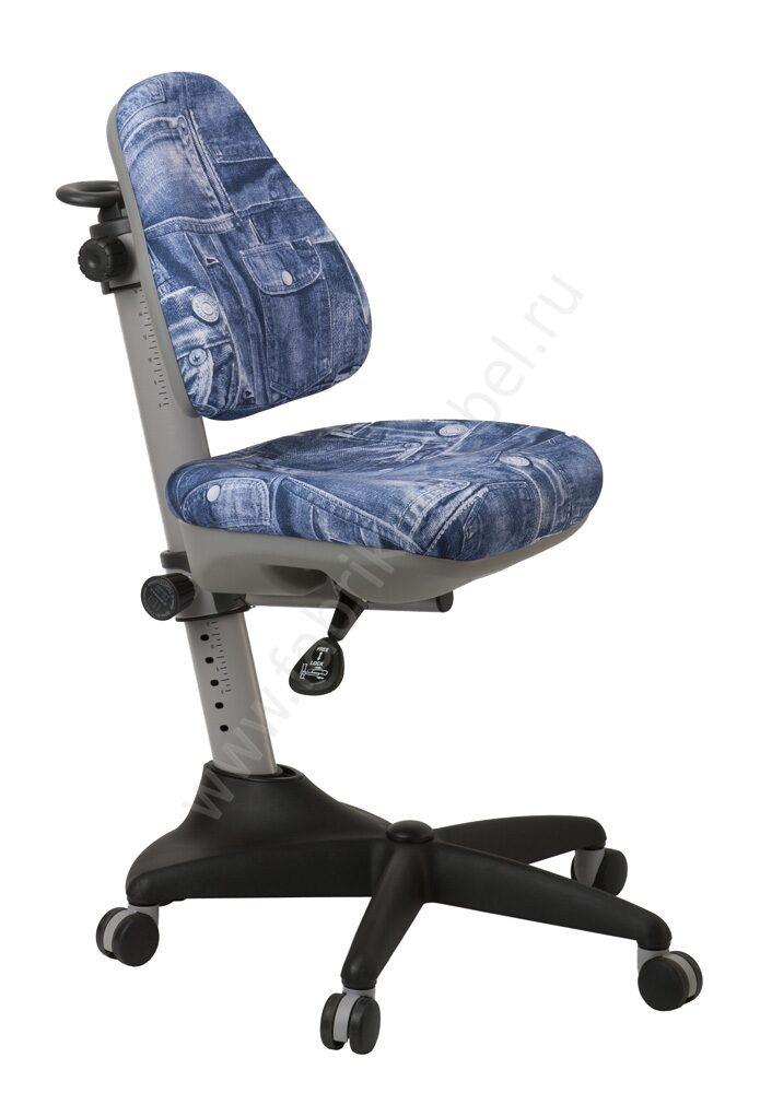 Кресло на колесиках для ребенка